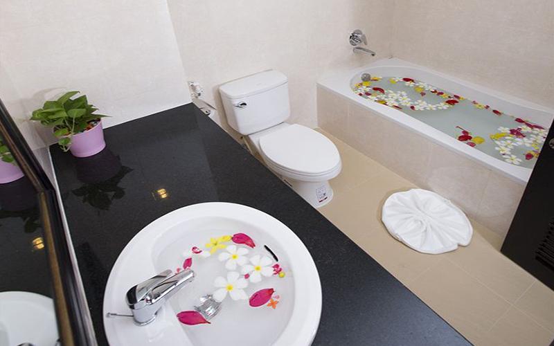Bathroom_new-wing