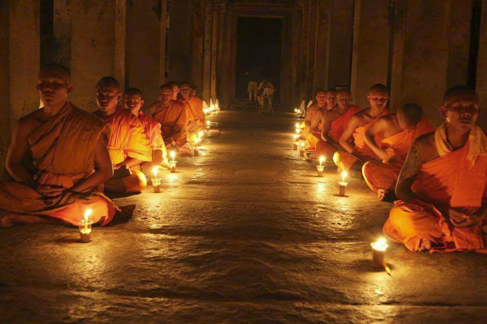 Monks Meditation_Angkor Wat