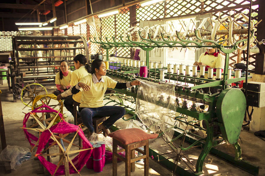 SilkFarm-Weaving